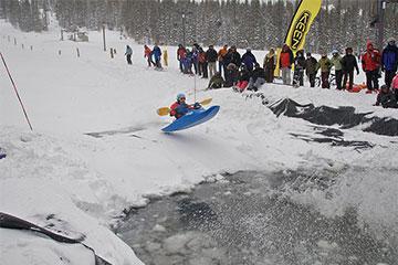 Photo insolite de kayak neige